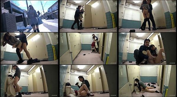【凌辱動画】女子大生の後をつけ盗撮カメラを仕掛けた女子トイレに入ったところを襲いレ〇プする鬼畜男